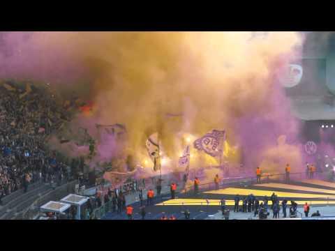 Borussia Dortmund - VfL Wolfsburg Pyro 1.Halbzeit DFB-Pokalfinale 2015
