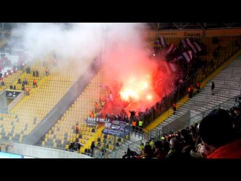 Dynamo Dresden vs. VfL Osnabrück 20.12.2014 Pyro