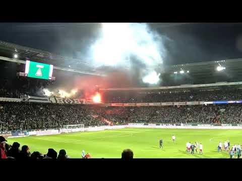 Werder-HSV 1:0, choreo + pyro Fans aus Hamburg